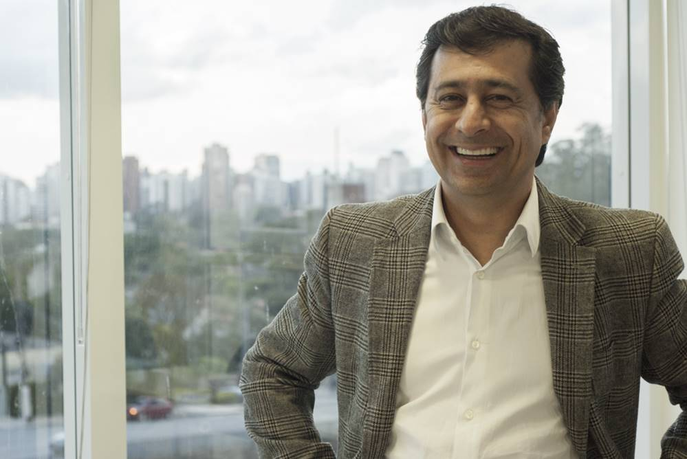 Prof. Robson Camargo